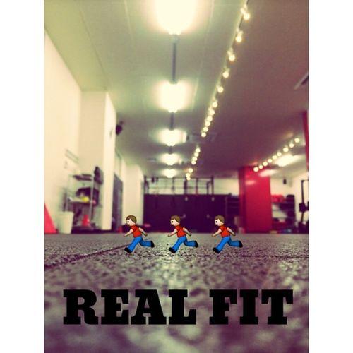 ⋆ ⋆ Training.Training.Training. 早朝のW杯に刺激され追い込みました? ⋆ #realfit#Training#腹筋#体幹#全てはSurfingのため