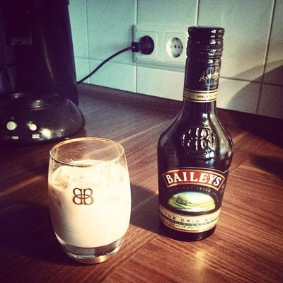 Drink Alcohol Love Home baileys gönnen
