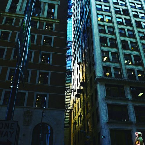 Built Structure Business Finance And Industry Architecture Night Low Angle View City Outdoors Building Exterior Modern No People Urban Nature Urbanphotography Urban Scene Urban Architecture Urban Escape City Life Street City Skyscrapers Chicago Chicago Architecture Chicago ♥ Chicago Photographer Chicagoshots Chicago, Illinois EyeEmNewHere