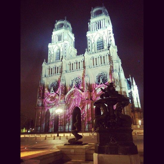 Orléans se prépare pour Noël 😉 Orléans Igersorleans Cathedrale Photo picture photooftheday instagramers instanight instalike igers instadaily instalove instamoment instafun instagood art projection night