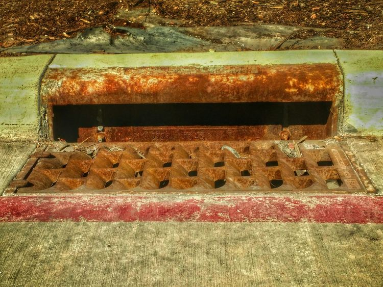 Gutter Concrete Concrete Gutter Grate Rust Rusty Rustygoodness Curb Curbside Curb Appeal Steel Cellphy