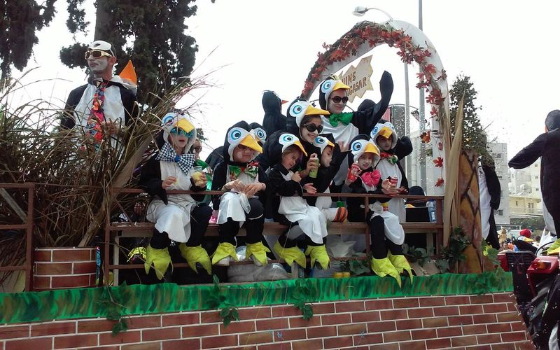 Carnival Carnival Parade Carnival Parede Carnival Party Carnival Time Costumes Fun Kids Dressed As Penguins Penguin Costume Real People