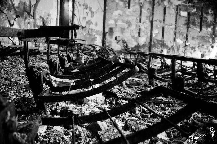 Cinéma incendié Incendie Urbex Urbexphotography Cinema Photography Photo Nikon D3200 Amateur Amateurphotography Nature