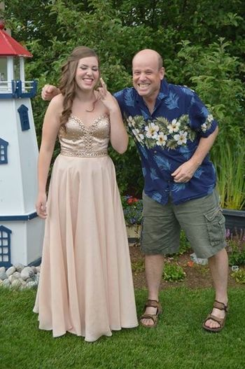 Perfectly sums up my relationship with my dad ❤️ Prom Family Summer Graduation Happy Laughing