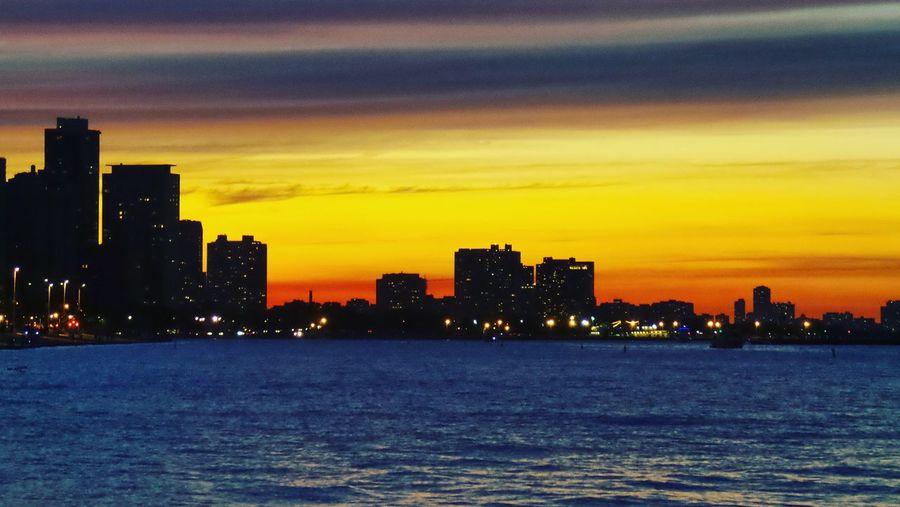 Chicago Sunset EyeEm EyeEm Best Shots EyeEmBestPics Eyeemsunsets Lakemichigan ChicagoSkyLine