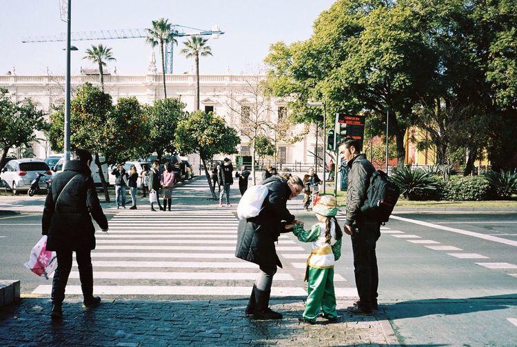 Sevilla 35mm Film Kodak Portra Film Kids Los Reyes Magos Everyday Lives Streetphotography Everyday Joy