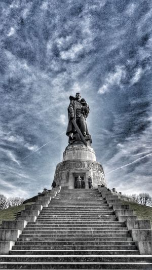 Sowietisches Ehrenmahl Treptow Berlin Treptow Statue Low Angle View Sculpture Sky Cloud - Sky Human Representation Steps