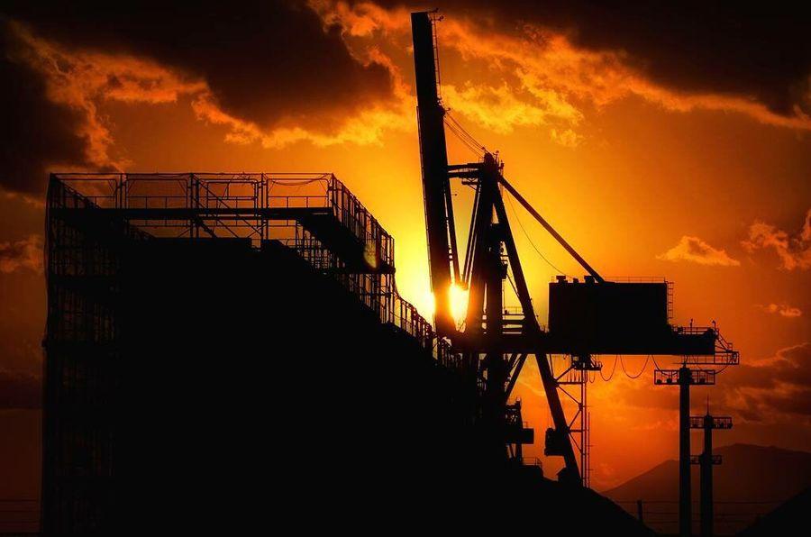 熊本港にて…夕陽が美しい季節です♫ Silhouette Sunset Sun Construction Industry Sky Orange Color Construction Machinery 夕陽 夕日 熊本港 Crane Kumamoto 熊本 Nikon D7200 D7200 Construction Site Industry