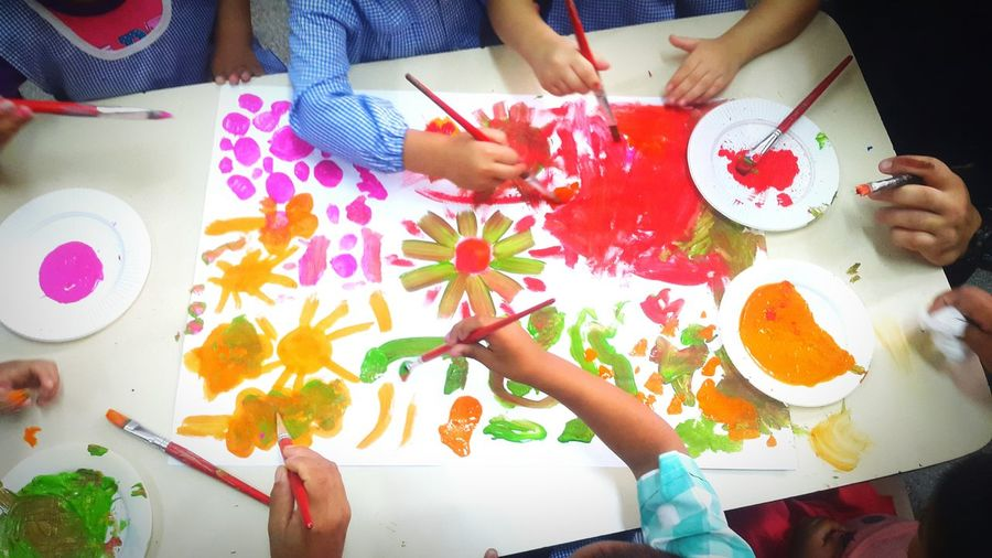 Kids Having Fun Drawing Drawingtime Drawings Drawing ✏ Kids Drawing Elementary Age Kindergarten Little Kids Elementary Elementary School Colors Colorsplash Temperas