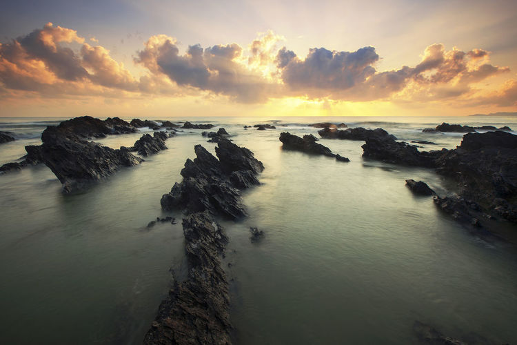 Rays of light Taking Photos Hello World Hanging Out Enjoying Life Nature Beautiful Sunrise View Scenery Background Photo Trip Sunny Day Wallpaper Lanscape Sky Beach Rocks Malaysia Rays Of Light