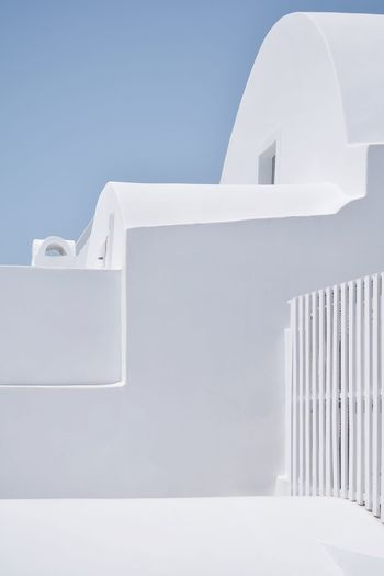 Whitewashed Architecture Minimal Santorini, Greece Santorini The Week Of Eyeem The Week on EyeEm Eye4photography  EyeEm Gallery EyeEm Selects EyeEm Best Shots The Architect - 2018 EyeEm Awards Minimalism White Color Building Exterior Built Structure Whitewashed Architecture No People Sky Wall - Building Feature Building White Outdoors Low Angle View