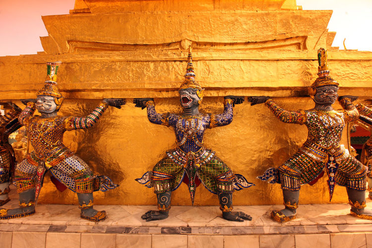 Guardian statues at temple
