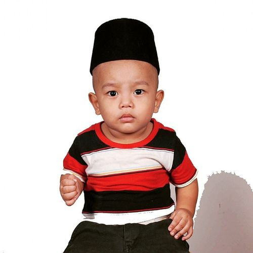 """Heyyy belom sedia lagi lah!"" - - - Words PutraFahadAssyammari MaBoy AnakBuak Bigboss UstazKids Posing 2015 Miss Langkawi Red Black MyLife Style Iphone4 Lovelivelife"