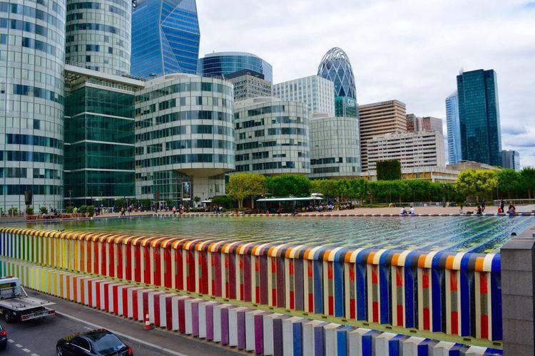 Paris Colors Colorful City Art Architecture Geometry Building Urban Fountain Beautiful EyeEm Best Shots Traveling Nikon D5200 Nikonphotography Hello World Hi! Enjoying Life Taking Photos Relaxing La Défense