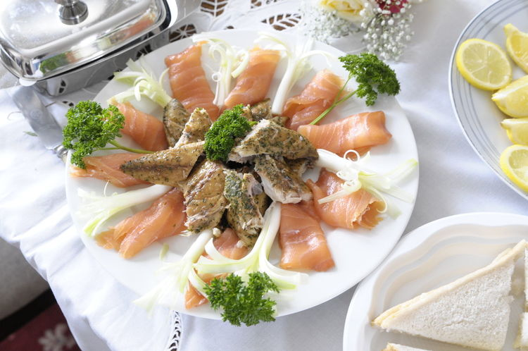 Broccoli Close-up Food Food And Drink Freshness Healthy Eating Indoors  Meal Meat No People Plate Ready-to-eat Seafood Serving Dish Serving Size Smoked Fish