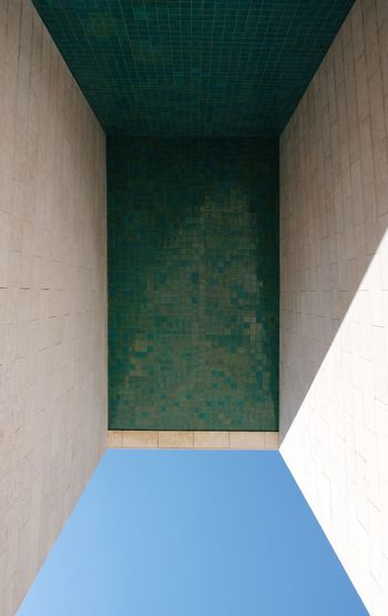 Portugal roadtrip . Pavilhão de Portugal , architect : Álvaro Siza Vieira Architecture Architecture_collection The Graphic City Urban Geometry Architectural Feature Architecture Built Structure Day Fujifilm X-t20 Light And Shadow Minimal Minimalism Minimalobsession No People Shapes And Forms Urbanphotography Colour Your Horizn The Architect - 2018 EyeEm Awards Capture Tomorrow 17.62°