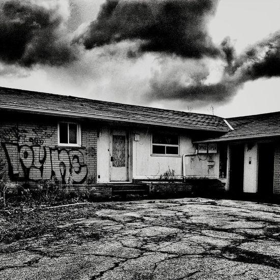 Abandoned Abandoned & Derelict
