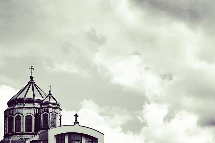 Serenity. Cloud - Sky Religion Spirituality Place Of Worship Architecture Building Exterior Church Church Architecture Blackandwhite Black And White Photography Blackandwhitephotography Sky Built Structure Dome Architecture_collection