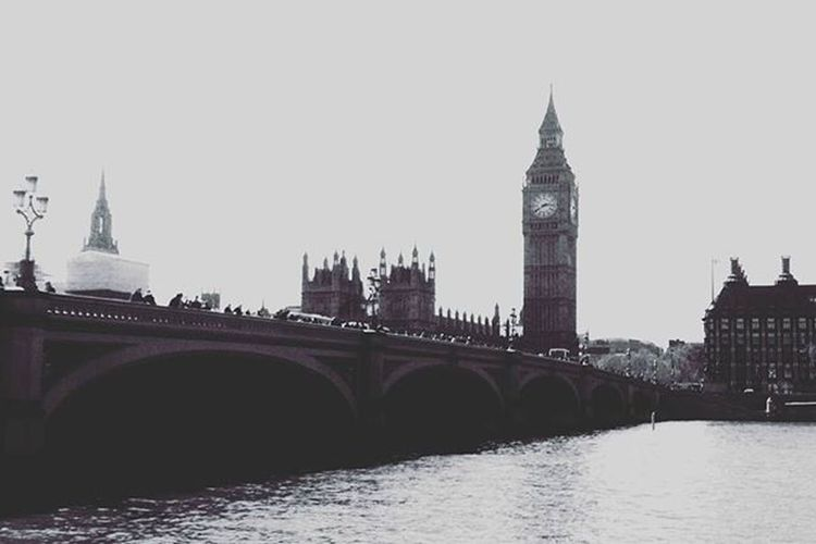 """To achieve great things, two things are needed; a plan, and not quite enough time "" Bigben London Londoncity Citylife Cityview Travel Travelgram Traveling Traveltheworld Ig_london Ig_londonphotographers Londoncity"