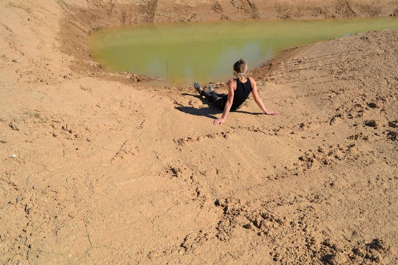 Women Water Sand Sitting Sand Dune Namib Desert Arid Climate Atmospheric Arid Landscape Extreme Terrain Desert Countryside Plastic Environment - LIMEX IMAGINE Plastic Environment - LIMEX IMAGINE