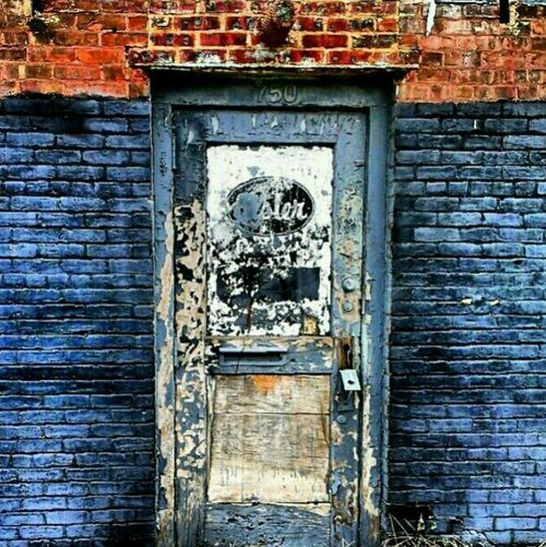 I've kicked the habit...Shed my skin Doors Urban Decay Standing In Front Of Closed Doors Decay Beauty Of Decay Abandoned Building Abandoned & Derelict Abandoned America Door_series Filthyfeeds Abandoned Places Lousyfeeds Peelingpaint Peeling Industrialdecay Abandoned Industrialbeauty