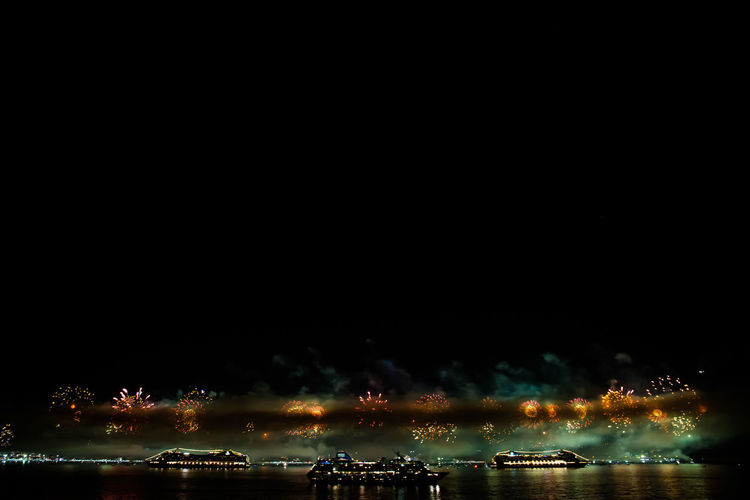 Rio de Janeiro´s new year fire works Copacabana Cruise Ship Fireworks New Year Pirates Rio De Janeiro Rio De Janeiro Eyeem Fotos Collection⛵ Arts Culture And Entertainment Cruise Focus On Foreground Fog Foggy Illuminated Nautical Vessel Night Nightlife No People Outdoors Plasma Sea Sky Water