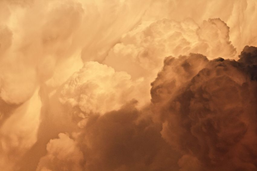 Abstract Backgrounds Beauty In Nature Cloud - Sky Cloudscape Day Dramatic Sky Full Frame Heaven Idyllic Low Angle View Majestic Nature No People Orage Outdoors Scenics Sky Sky Only Softness Sunset Tempête Tranquility