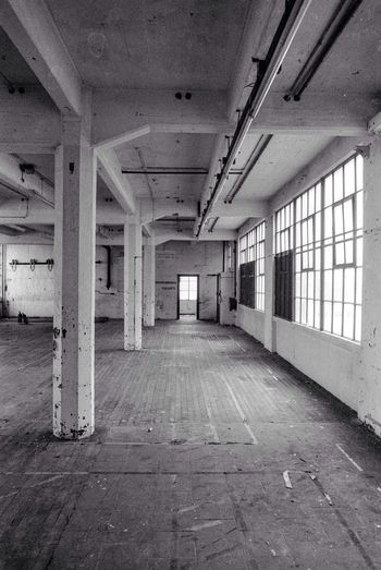 Indoors  Flooring Architecture Built Structure Empty Abandoned Ceiling Day Corridor Window No People