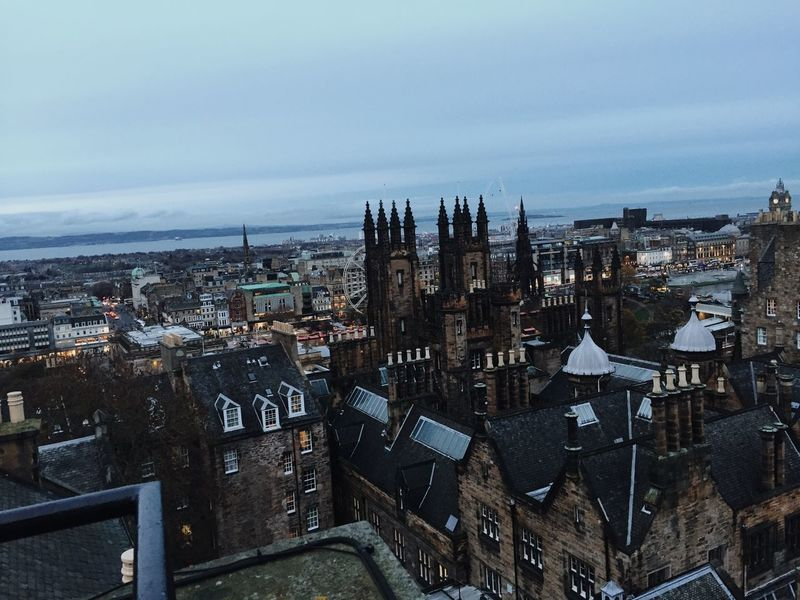 Overlooking Edinburgh city - Amazing 👌 Architecture Building Exterior Built Structure City High Angle View Sky Cityscape City Life Streetphotography Street Edinburgh Big City Crowded Beautiful Historic Buildings Capital Cities  Scotland Outdoors Busy Busy City Evening Light Contrast Exploring Landscape