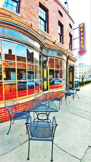 Building Exterior City Architecture Outdoors Chair Table And Chairs Streetphotography Sign Kentucky  Multi Colored Window Reflection EyeEmNewHere EyeEmNewHere The City Light The City Light The Week On EyeEm Business Stories An Eye For Travel Modern Workplace Culture Stories From The City Modern Hospitality The Street Photographer - 2018 EyeEm Awards