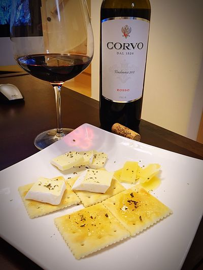 玉川高島屋 でおすすめされた、 シチリア Wine やばい うまい おすすめされた Cheese もナイス! Enjoying Life Wine Tasting Relaxing