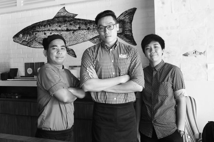 The crew... Togetherness Blackandwhite Black And White Food Food And Drink Establishment Photography The Traveler-2016 Awards The Photojournalist - 2015 EyeEm Awards Restaurant Monochrome Service Preparing Food Photojournalism Portait Photography ♥ Blackandwhitephotography The Photojournalist The Traveler - 2015 EyeEm Awards Pulaupinang PortraitPhotography Portraitist - 2016 Eyeem Awards Portraitphotographer Portraitphotograph Portraits Blackandwhite Photography