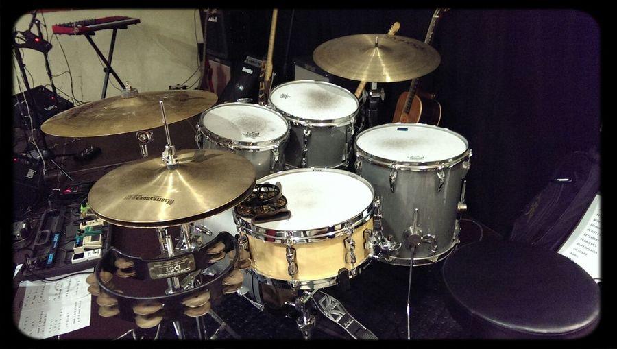 el kit d'ahir. Drums Live Music Drummer Concert