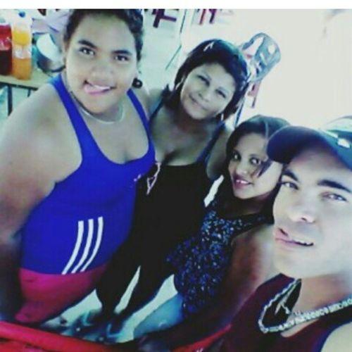 Selfie con Ellas ♥ se les Kiere Nenas. Piscinita Caicaradelorinoco
