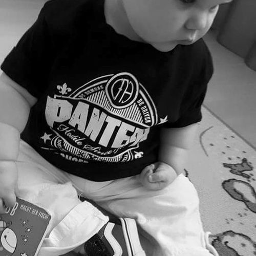 That's my girl.... Pantera Vans Metalbaby Parentingdoneright Babygirl