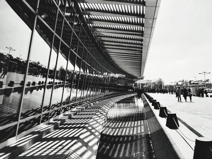 建築的黑白配