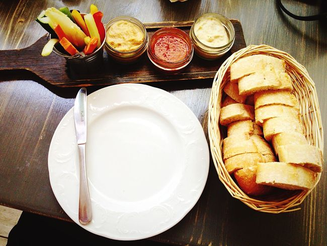 Dinner Time Vintage Garden Delicious Bread Vegetables Hummus Tomatosauce Aubergine