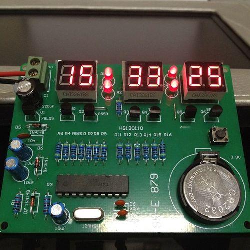 Теперь я знаю точное время. Спаял часы. своимируками DIY конструктор паяльник