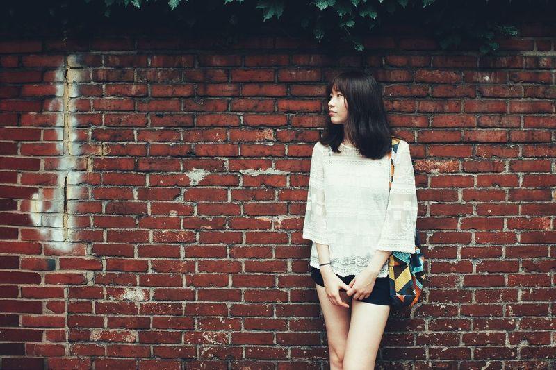 South Korea Portrait One Person Casual Clothing Brick Wall Fujifilm Fujifilm X30 Summer Travel