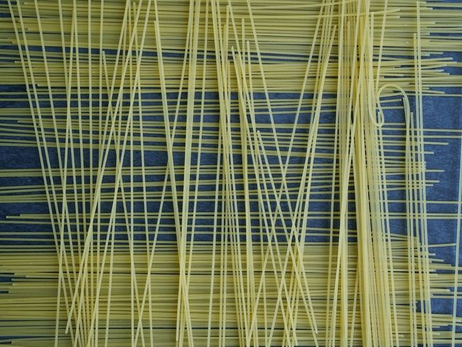 Spaghettis Uncooked Spaghetti Lines Abstract Pattern Italian Food Spagetti Backgrounds Uncooked Food Uncooked Pasta Food Pasta Connection Full Frame Complexity Built Structure No People Day
