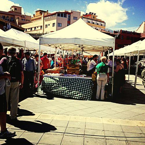 Feria de artesanía People Watching Foto