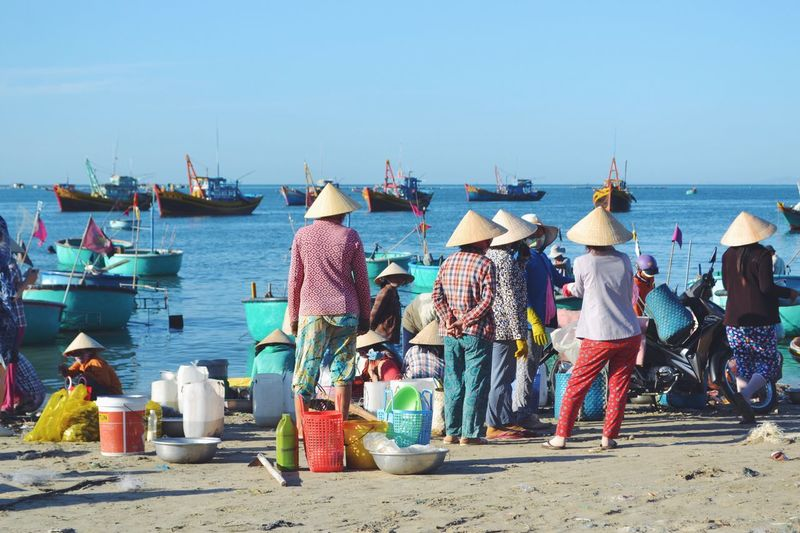 Telling Stories Differently Fishing Fish Market Asian  ASIA Vietnam Vietnamese Beach Seashore Seller Market Marketplace Fisherman Fishermanvillage Boat Sea Seaside #The Week On EyeEm