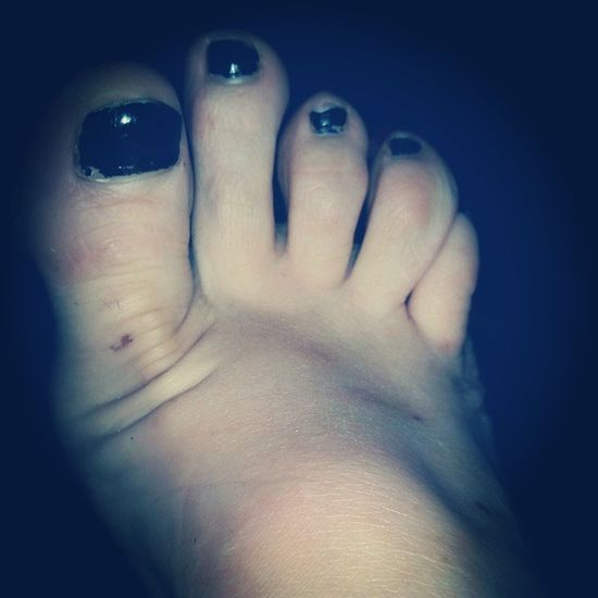 In desperate need of a Pedicure ! Who wants to help? LOL Paintedtoenails Toes feet