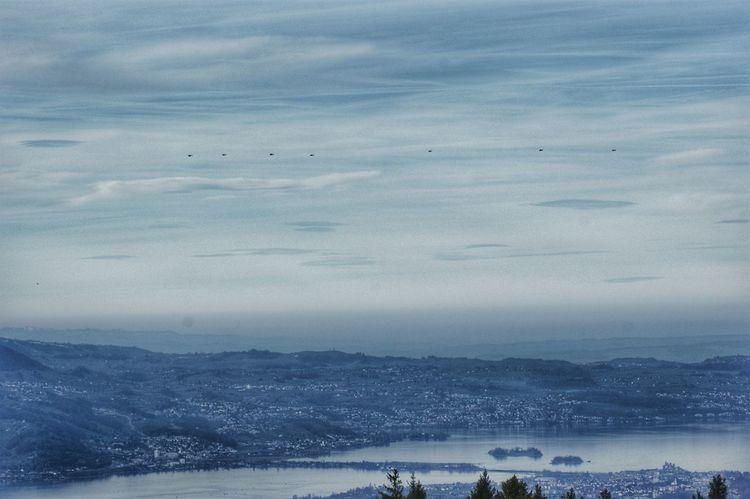 Rapperswil Seedam mit Konvoi von POTUS auf dem Weg ans WEF Nature POTUS Swiss Army Switzerland Alps Zürichsee Airforce1 Lake Of Zurich Mountains And Sky Mountais Sky Switzerland Switzerlandpictures Trump