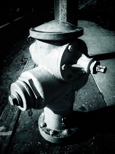Hydrant. <Black and White> Urban Hydrant Things Around Me In Front Of Me Eye4photography  Urbanphotography Eyeemphotography Just Taking Pictures Choatephotos Choatgrapy EyeEm EyeEm Gallery Streetphotography Taking Pictures Outdoors Photograpghy  No People Black And White Black & White Black And White Photography Eyeemphoto Outdoors Takingphotos Urban Lifestyle California EyeEm Masterclass Black And White Friday