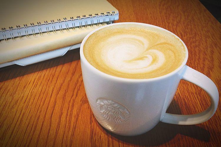 Starbucks ❤ Starbucks Coffee Soylate Studying Reading A Book