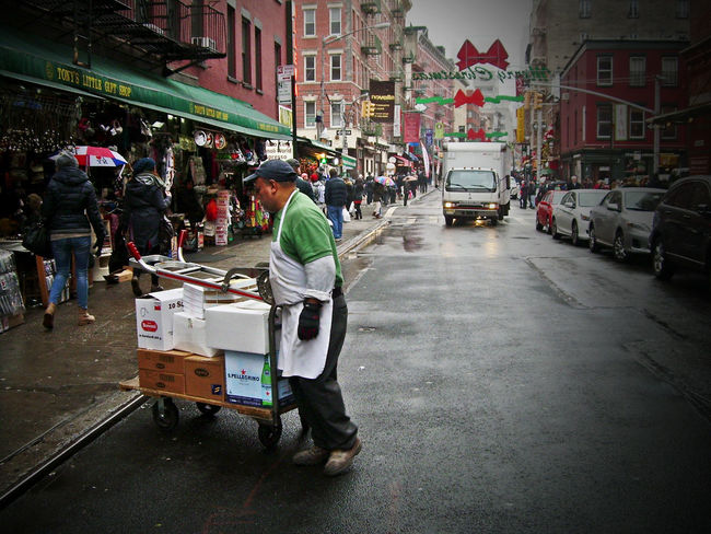 """Work day in China Town"" - Manatthan, USA Streetphotography Working Hard Chinatown American Life"