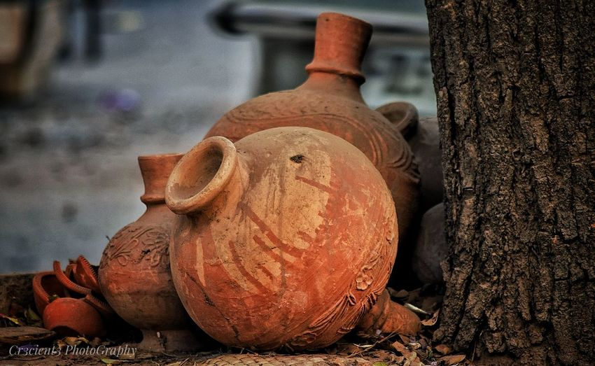 StillLife is still,still.. Representing Delhi6 Puranidilli Marketstreet Market No People Stuffed Toy Teddy Bear Close-up Outdoors Day Suraai Delhi Streets Capturemoment Newphotocapture Roadside Roadsidephotography Streetphotography Street Art/Graffiti Pottery Art Potter Pottery Pieces
