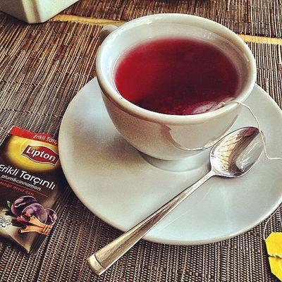 Cinnamon and plum tea ☕️ Perfect Weekend ?