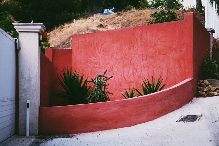 Red wall Kunst